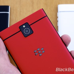 BlackBerry-Passport-Red-07