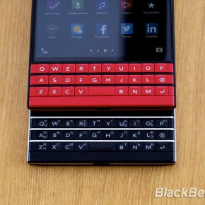 BlackBerry-Passport-Red-28