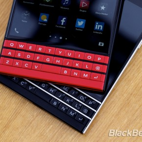 BlackBerry-Passport-Red-29